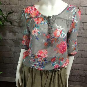 🌻 SALE! 3/$20 Gray floral polka dot sheer top